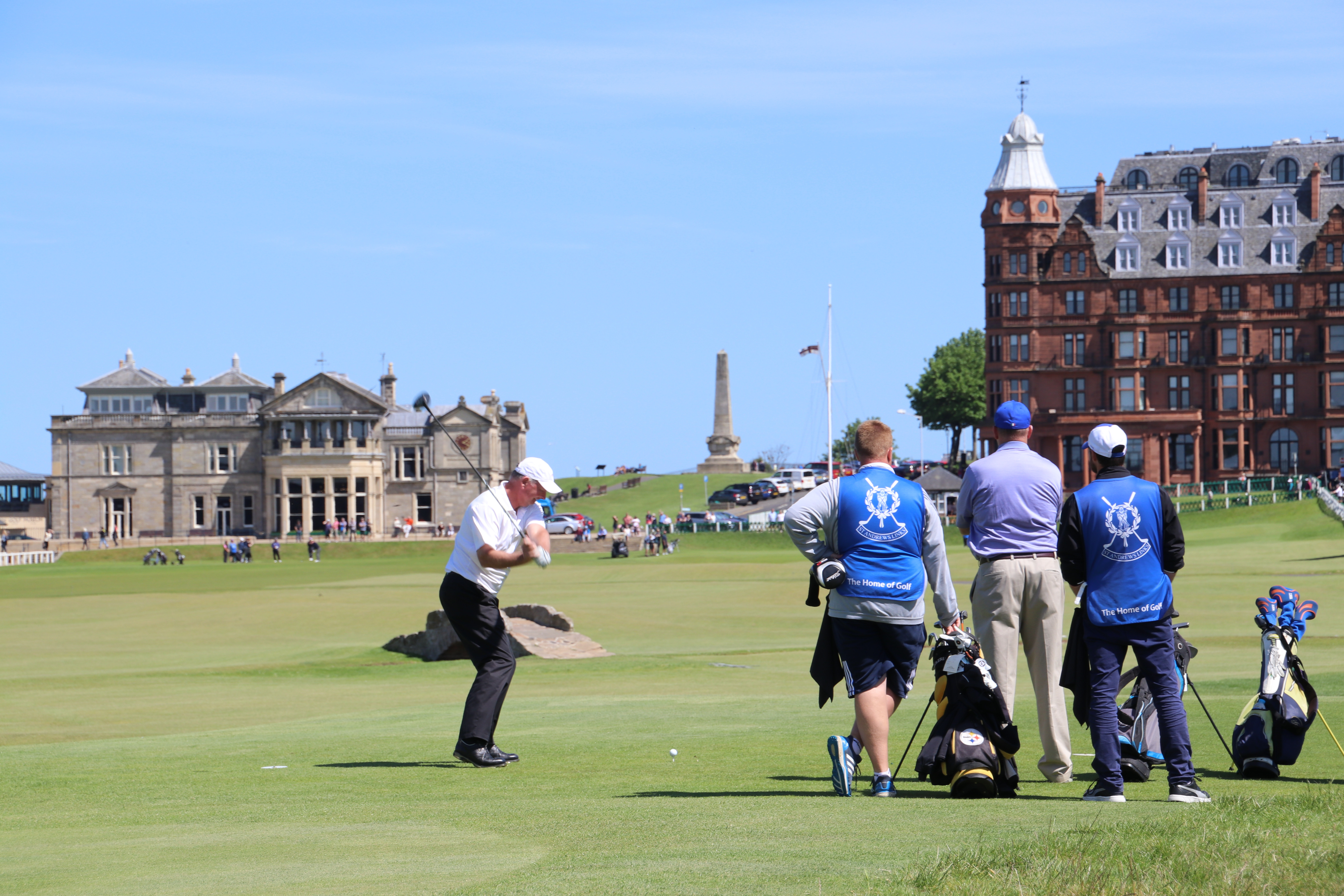 St. Andrews The Old Course, R&A Clubhouse - a magic moment for any Golfer