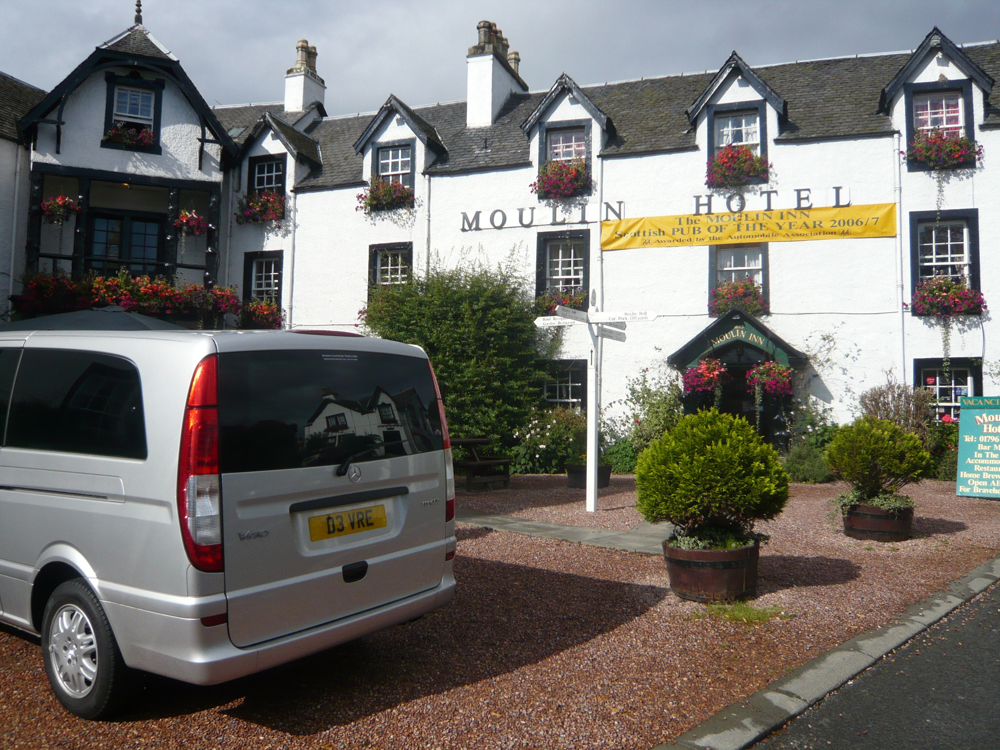A stop for lunch in a relaxed atmosphere at one of our favourite Scottish Inn's