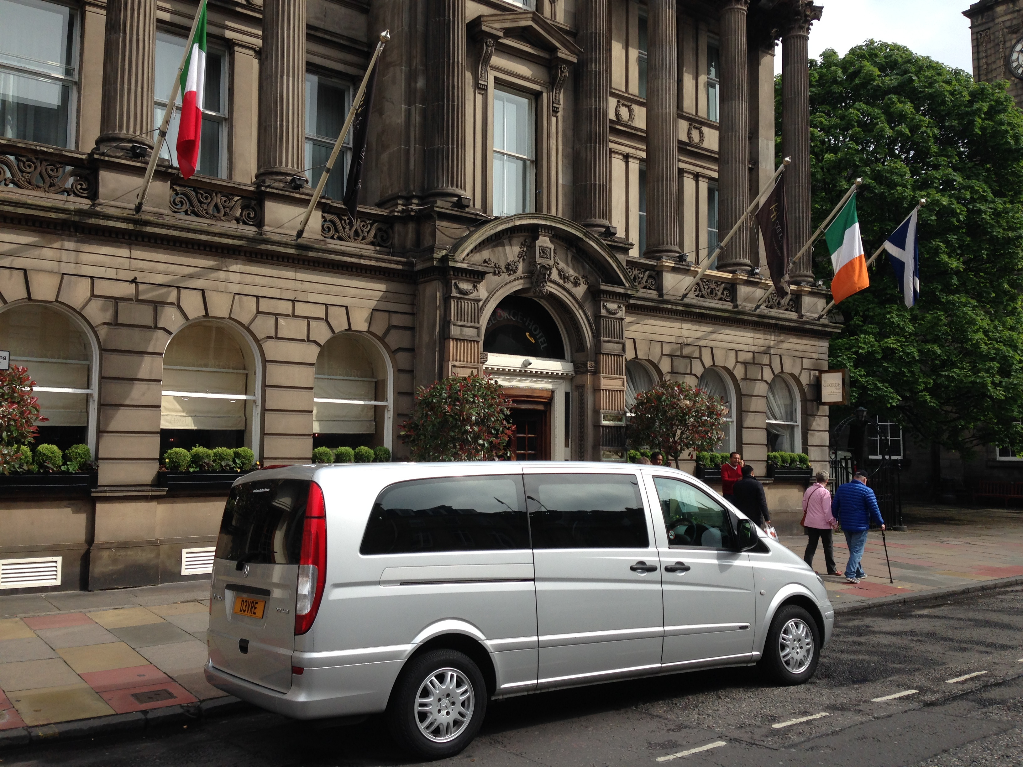 Luxury Private Transfer Service to George Street, Edinburgh, Scotland